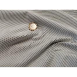 Velours cotelé blanc fond gris